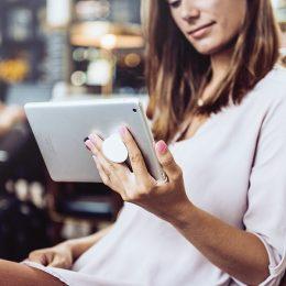 Popsocket je multifunkcionalni dodatak za mobilni telefon